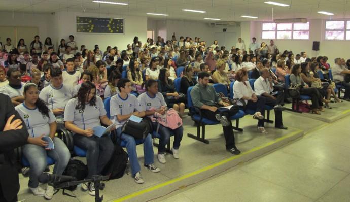 Lançamento do caderno no Colégio Estadual Tim Lopes - Foto: AIC-TRT/RJ